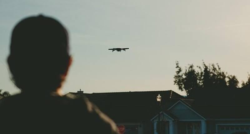 ¿Cómo debes prepararte previo a volar un drone?