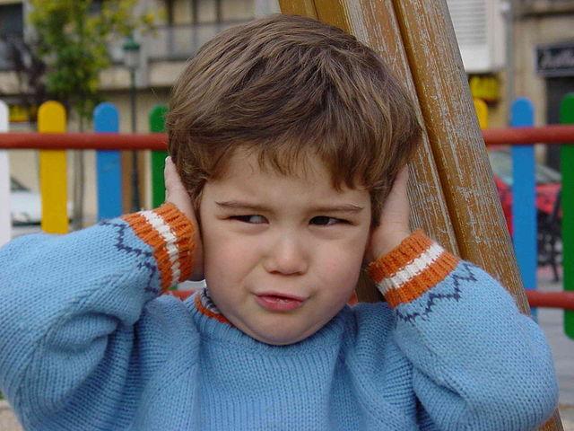 comparativa de ruido entre roomba y neato
